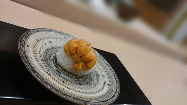 2012年度ミシュラン☆を三つ獲得、予約がなかなか取りにくい!鮨 田なべ