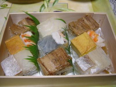 大阪すし萬の箱寿司