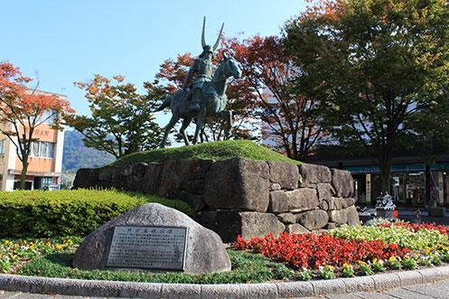滋賀県の偉人 彦根の基礎を造った徳川四天王の一人「井伊直政公像