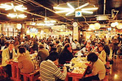 高知県高知市の中心にある「ひろめ市場」 ご当地グルメ