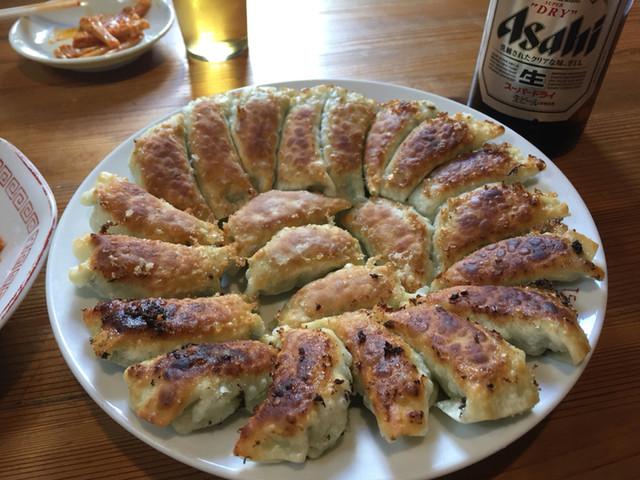 麺飯酒家万来 円盤餃子