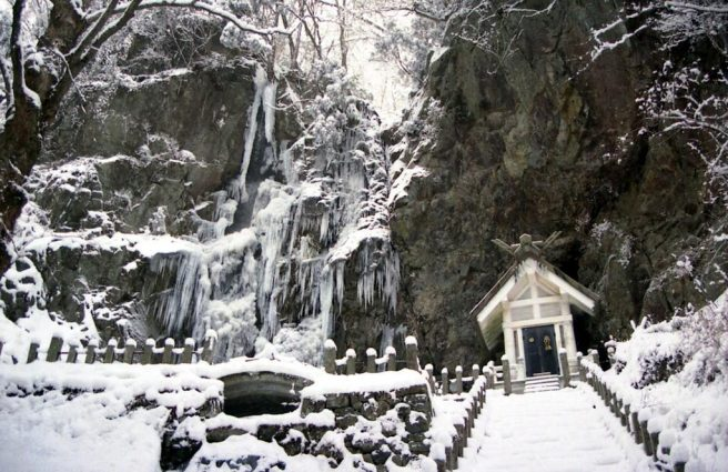 滝神社 滝 冬季 つらら