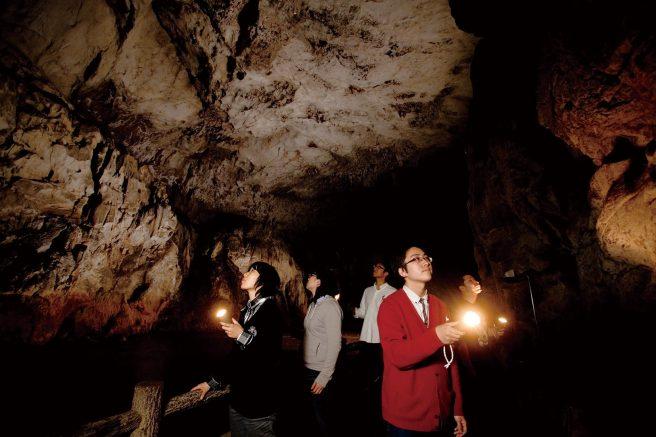秋芳洞 闇のロマン探検