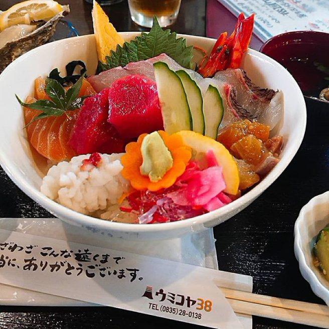 ウミコヤ38 海鮮丼