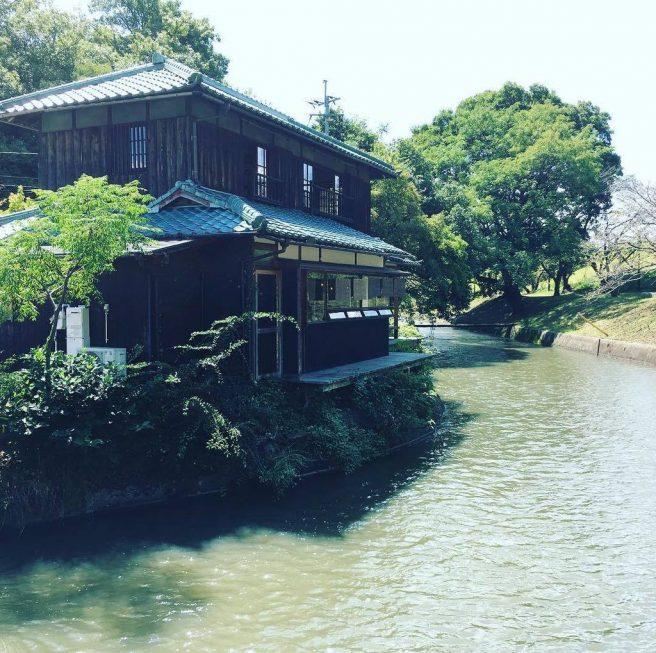 倉敷 水辺のカフェ
