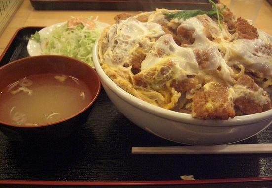 札幌大盛り 定食屋 六宝亭