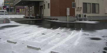 ロードヒーティングと玄関フードは北海道の町並みあるある