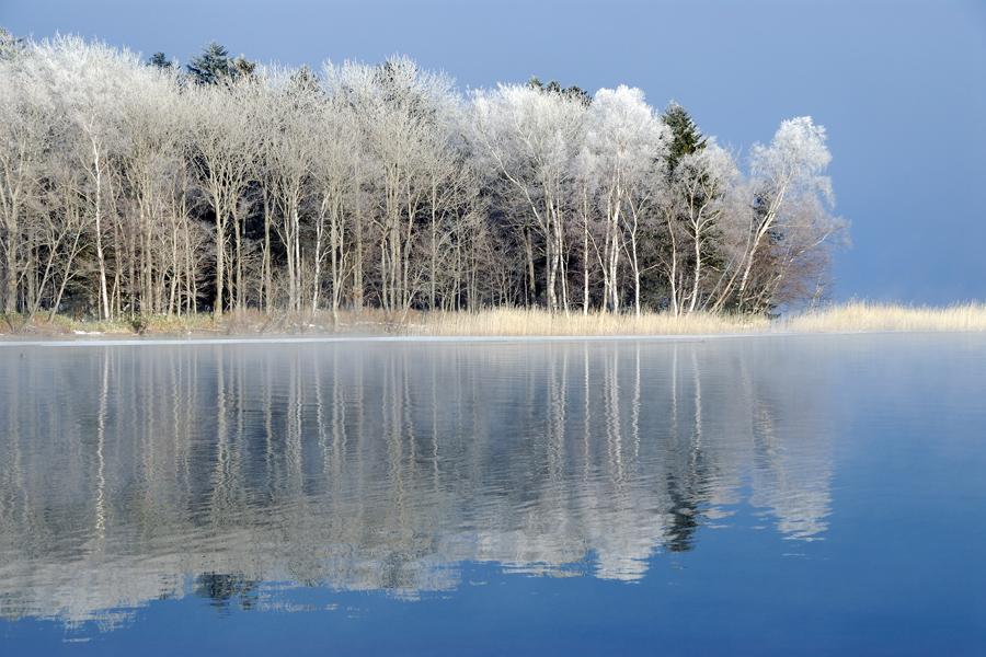 凍った秘湖 冬のオンネトー