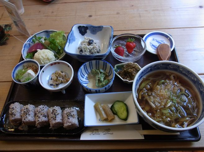 うどん 山菜 塩屋(南区)