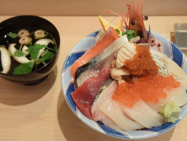 鮨とろ 海鮮丼