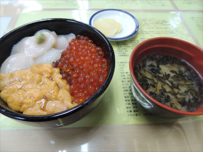 函館 海鮮丼 元祖巴丼