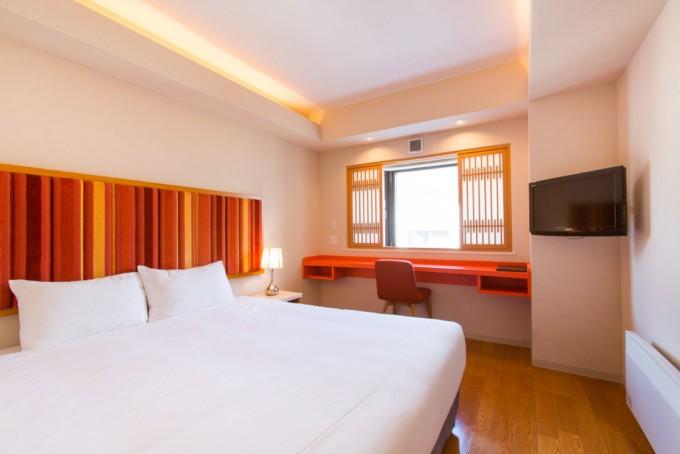 M ホテル