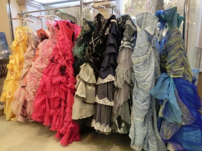 雪の美術館 ドレス