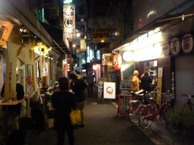 百円でビールが楽しめる裏なんば