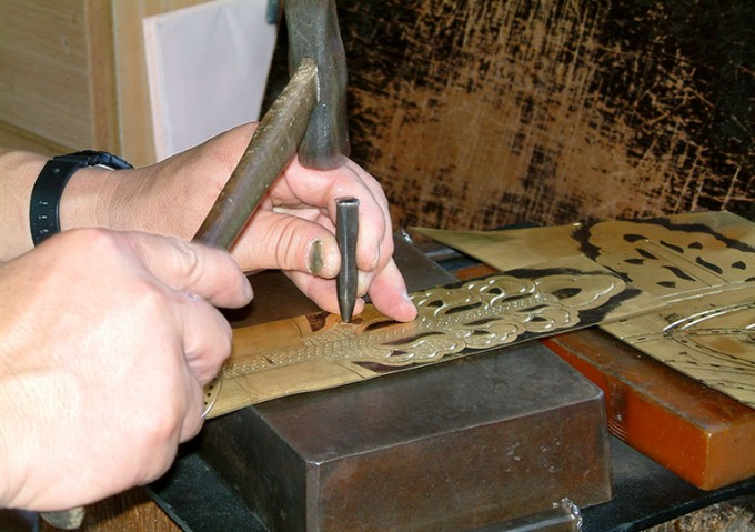 近江の伝統的工芸品「彦根仏壇」