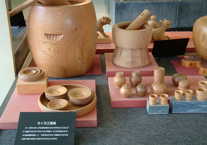 近江の伝統的工芸品「ろくろ工芸品」