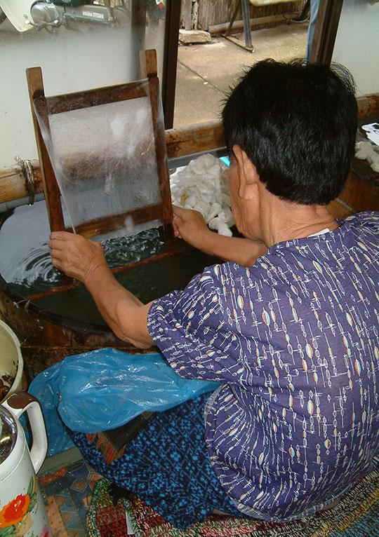 近江の伝統的工芸品「近江真綿」
