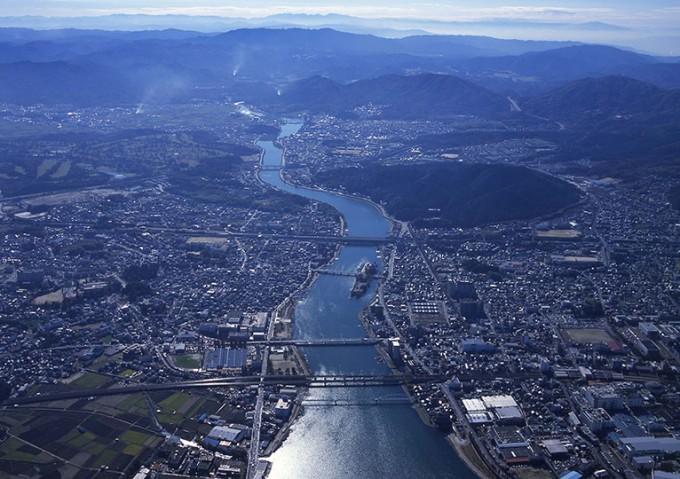 滋賀県民は琵琶湖の水で京都や大阪のお世話をしている