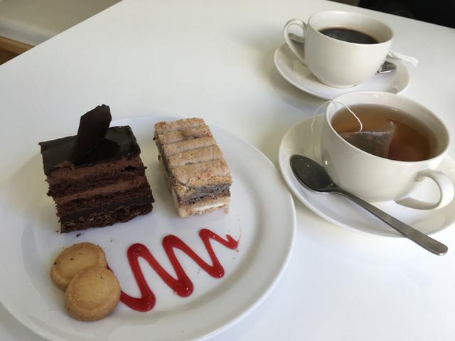 大津市のおすすめカフェ「カフェ・ド・シナモニ」