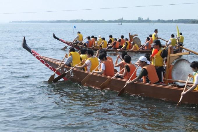 滋賀県のイベント「びわ湖高島ペーロン大会」