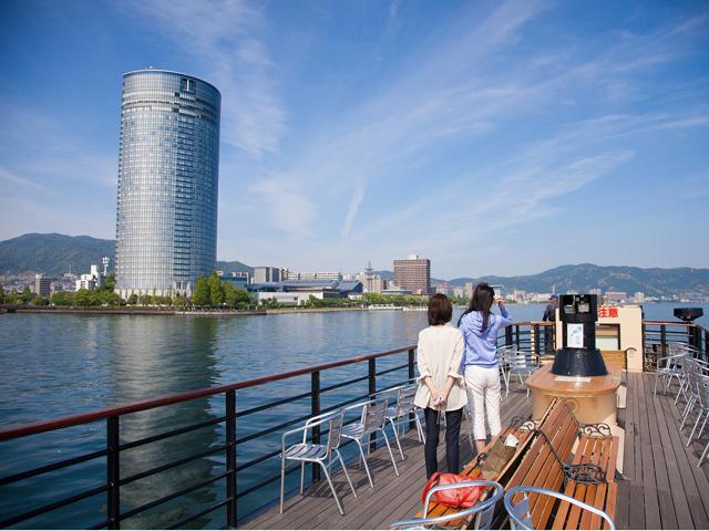 滋賀県のデートスポット「びわ湖大津プリンス展望レストラン」
