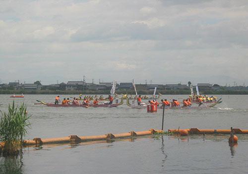夏のイベント「能登川ドラゴンカヌー大会」/滋賀県東近江市