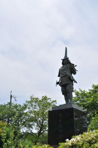 滋賀県の偉人 織田信長の娘婿「蒲生氏郷公像」