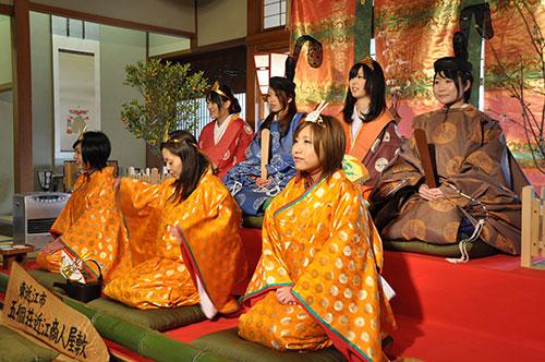冬の滋賀県 東近江の風物詩「にんげん雛まつり」