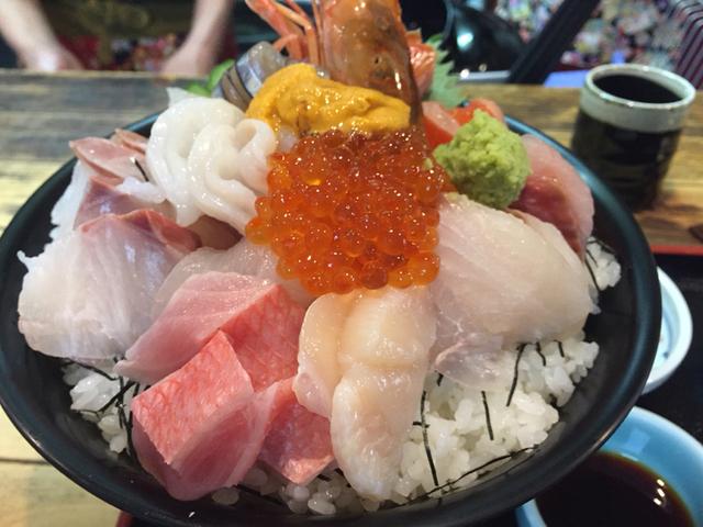 佐とうの海鮮丼