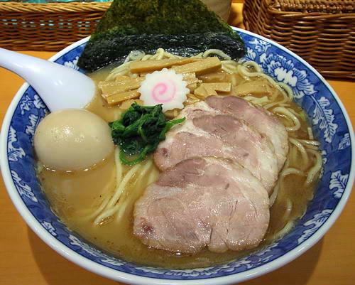 らーめん文蔵(三鷹駅より徒歩4分)
