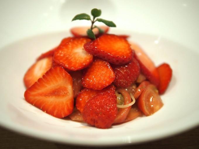 トマトとプレミア苺の冷静カッペリーニ