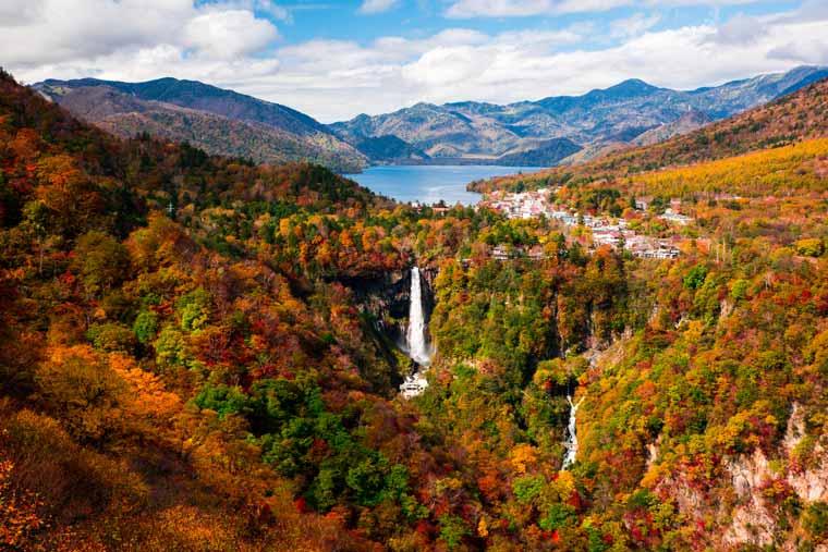 華厳の滝 紅葉