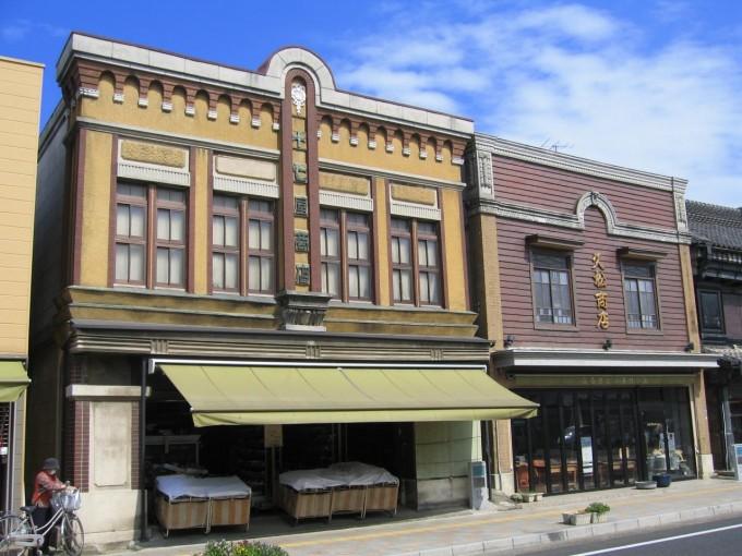 旧石岡市内の看板建築