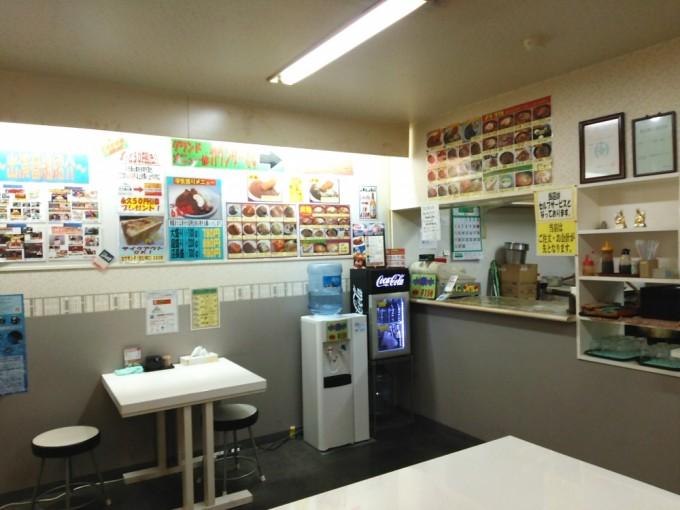 千葉デカ盛り 煮込みカツカレーの店本店