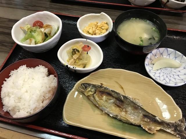 魚良 朝食