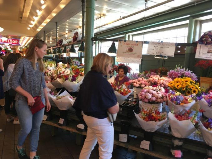 Pike place Market パイクプレイスマーケット