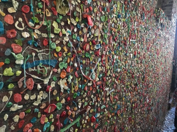 The Gum wall ガムウォール