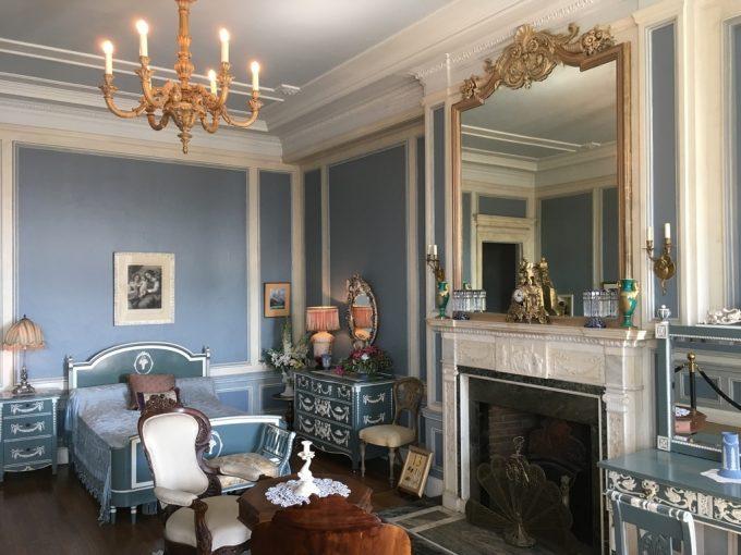 Casa Loma room2