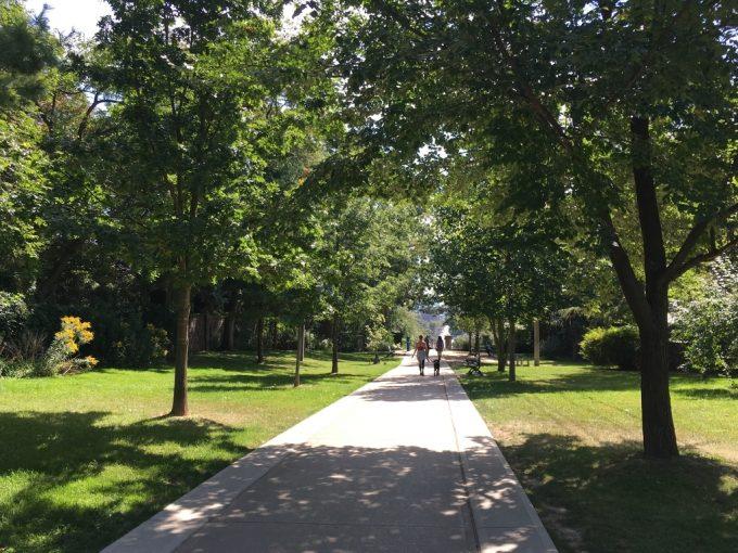 Casa Loma park2