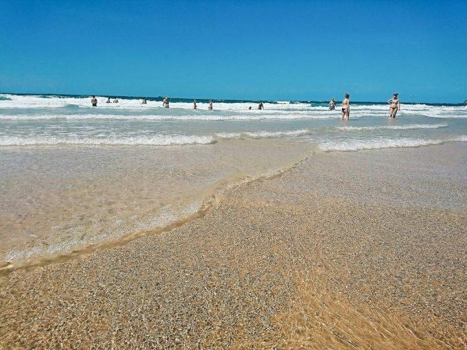 メインビーチ