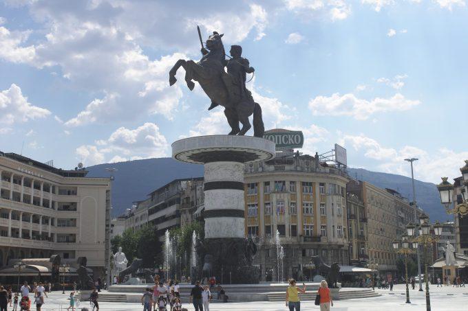 アレクサンドロス大王の銅像