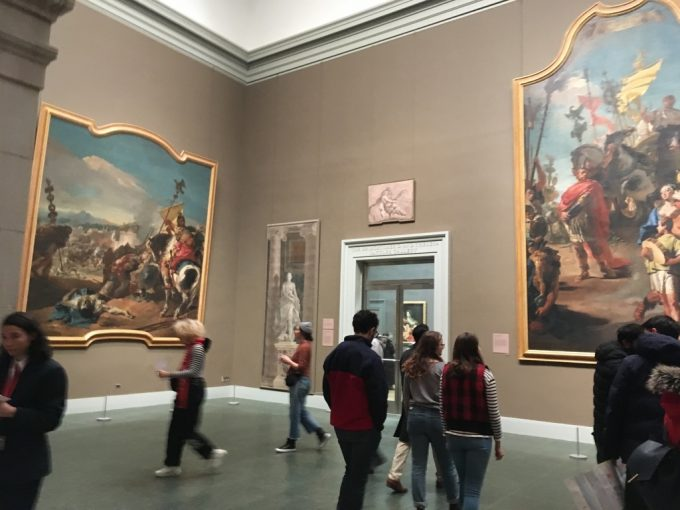 The metropolitan museum of art 館内2