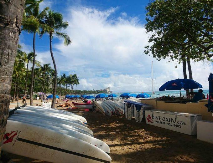 Waikīkī Beach  boat