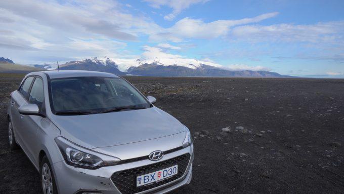 アイスランドでおすすめの交通手段は車