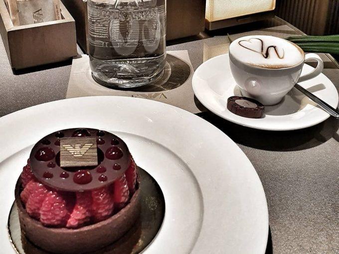 アルマーニホテルのケーキ