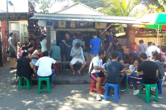 バリ島のローカル食堂はどうやって選ぶ?