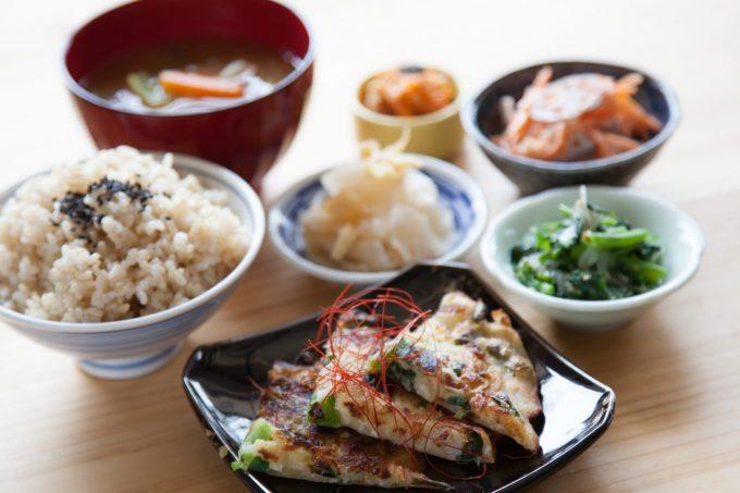 地元で採れた野菜で美味しいご飯を『おやつと珈琲とごはんのお店つむぎカフェ』