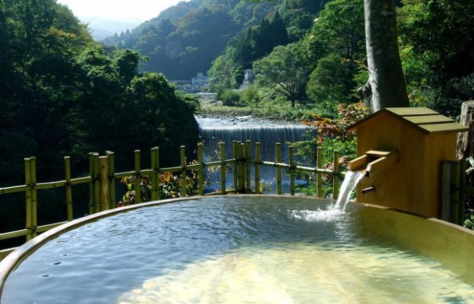 土湯温泉・ホテル山水荘