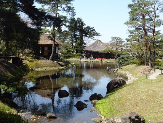 御薬園(出展:トリップアドバイザー日本/会津若松市/観光/御薬園庭園)