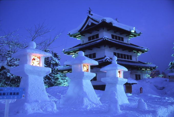 弘前城雪灯籠まつり